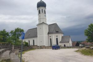 Kirche St. Michael / Ortsmitte Litzldorf - Startpunkt der Mountainbike Tour