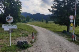 Abzweigung auf den Breitenberg - Wegpunkt 2 entlang der Tour