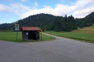Bushaltestelle Mühlau - Wegpunkt 2 entlang der Tour