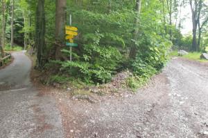 Abzweigung - Wegpunkt 1 entlang der Tour