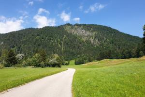 Blick auf den Schwarzenberg - Wegpunkt 4 entlang der Tour