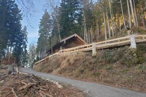 Hütte am Wegesrand - Wegpunkt 3 entlang der Tour