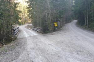 Abzweigung Richtung Schlossalm - Wegpunkt 2 entlang der Tour